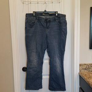 Women's plus size short jeans